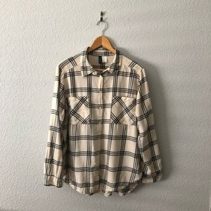 H&M Black & White Plaid Flannel Button Up Shirt
